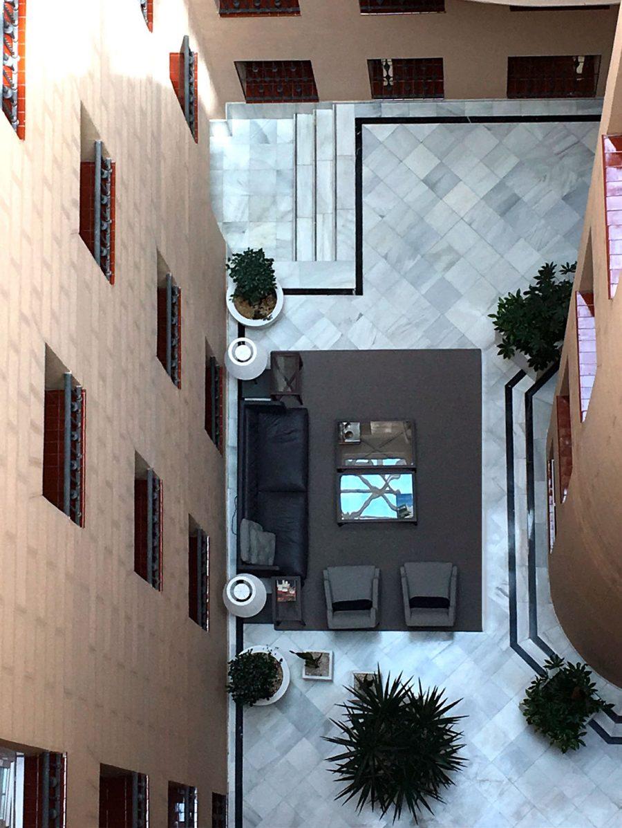 arquitectura_corporativa_diseno_interiores_edificio_oficinas_zona_espera_vista_cenital