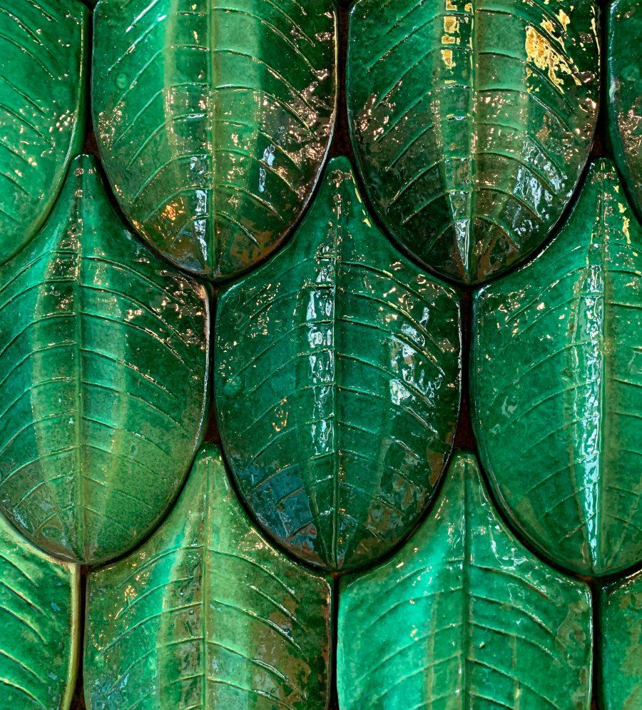 revestimiento_ceramico_mosaico_hojas_arbol_verde