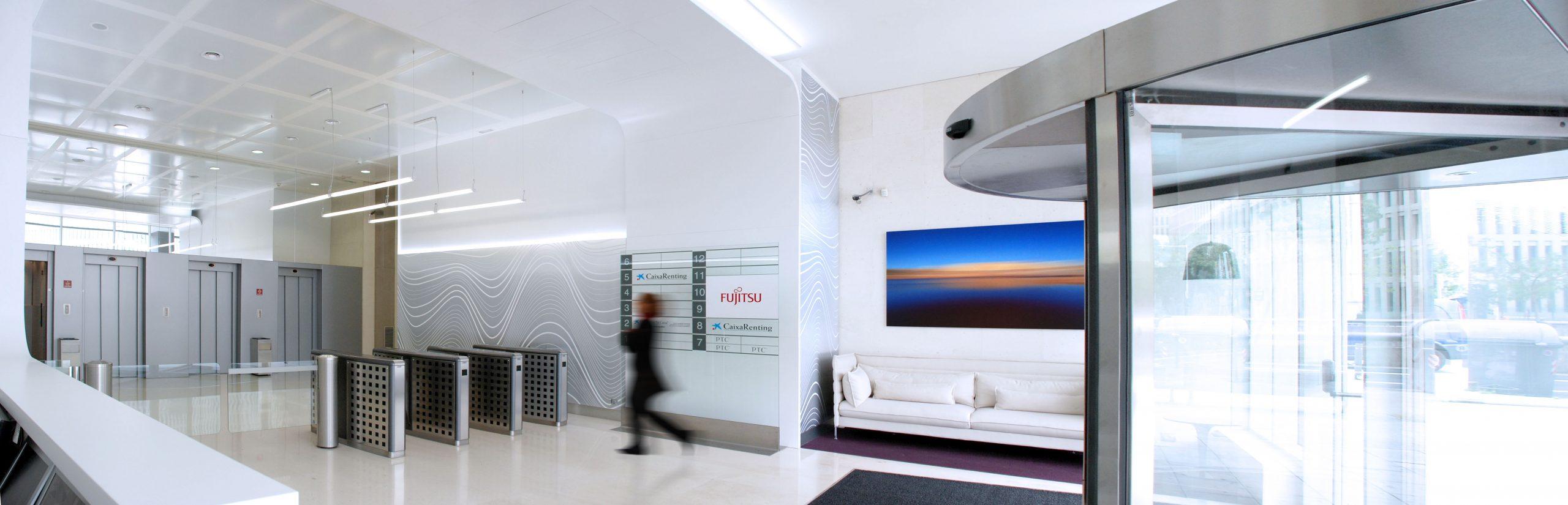 diseno_interior_recepcion_edificio_oficinas
