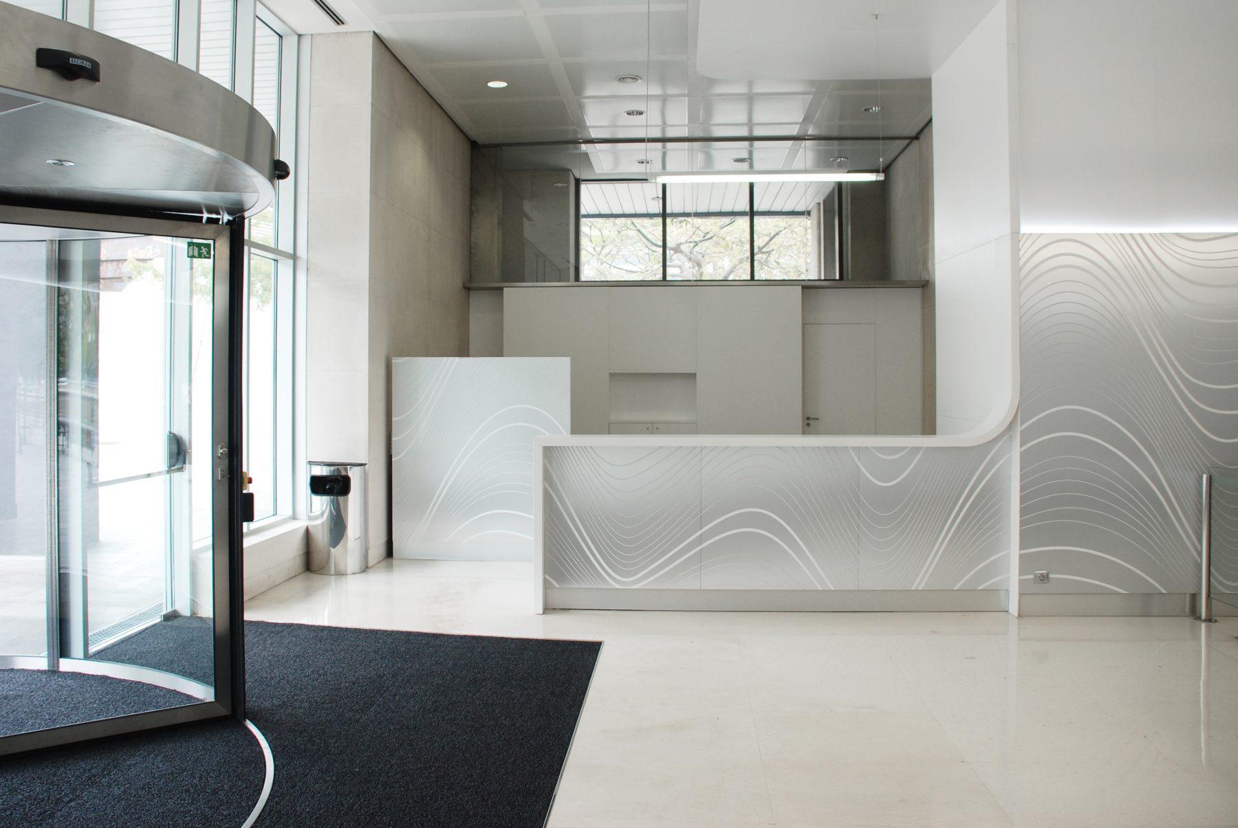 diseno_mostrador_recepcion_edificio_oficinas