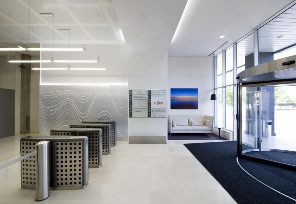 Diseno_recepcion_edificio_oficinas_arquitectura_corporativa