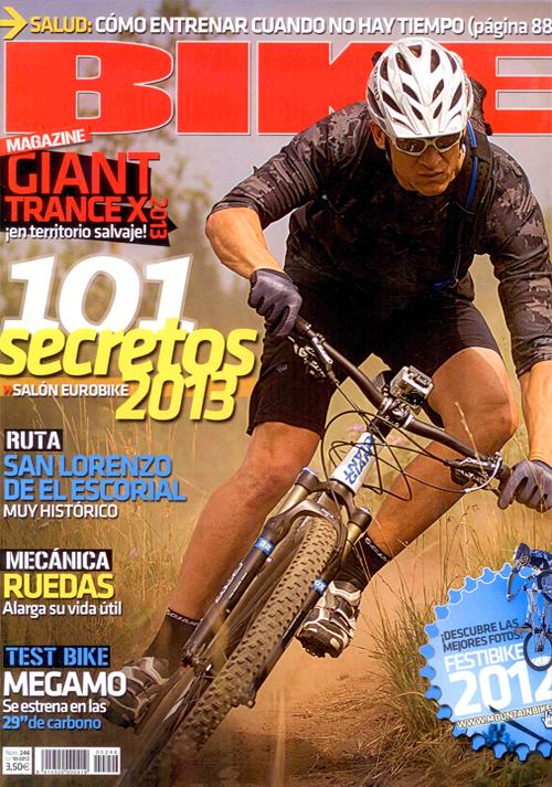 portada-revista-bike-octubre-2012-noviembre-estudio-botella-h2o